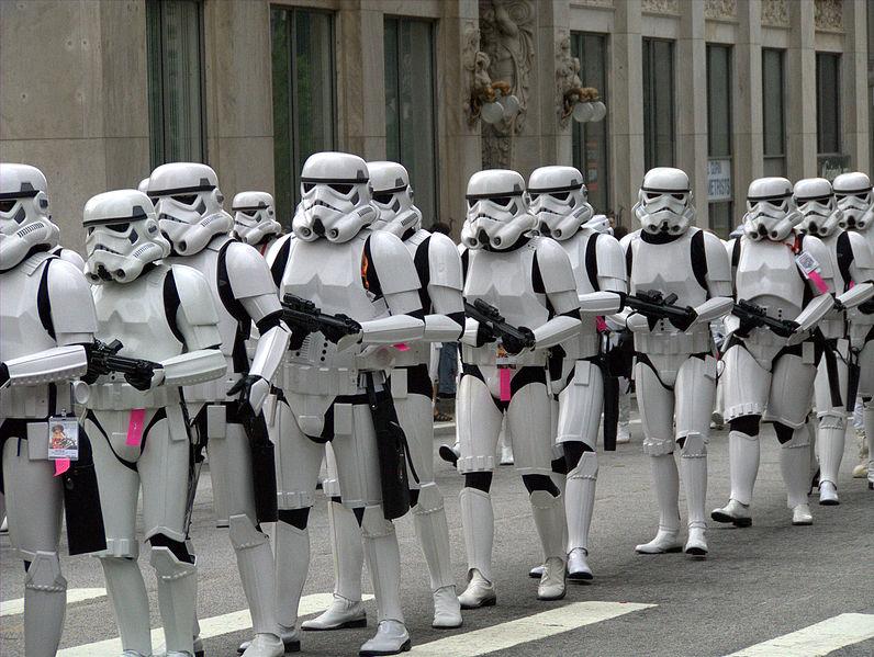 """Снимат нов филм """"Междузвездни войни"""". Ние имаме сценарий"""