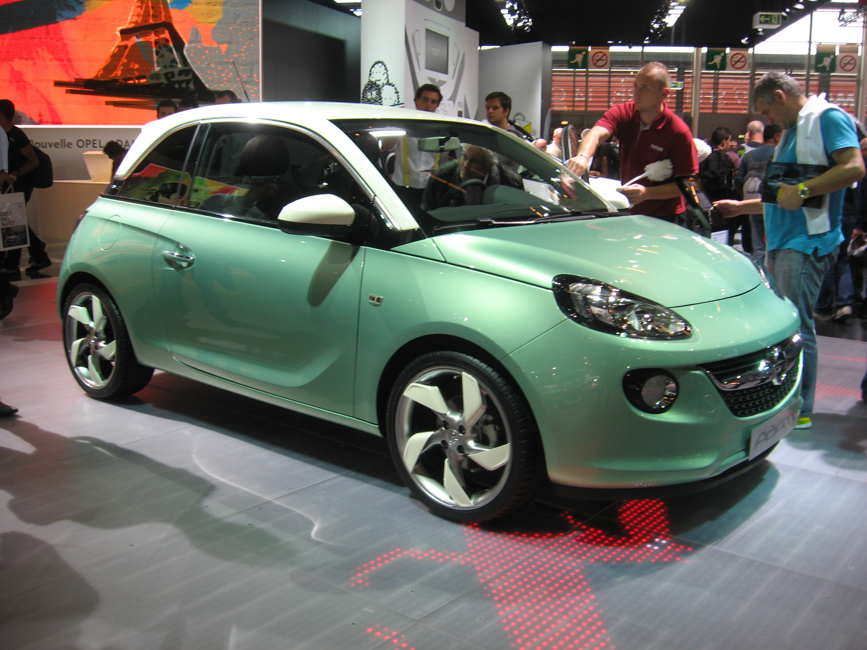 Opel-Adam_Green-front