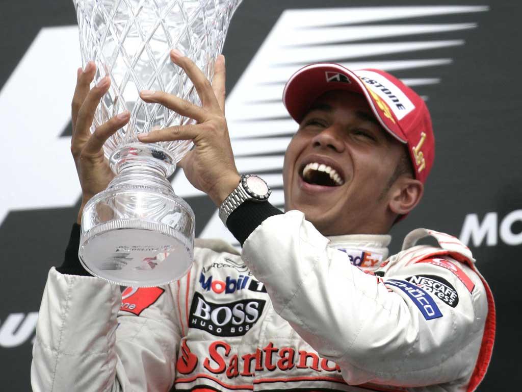 Люис Хамилтън: Формула 1 е скучна, защото всеки знае какво ще стане