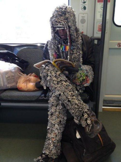 strange-bizarre-people-on-subways15-1