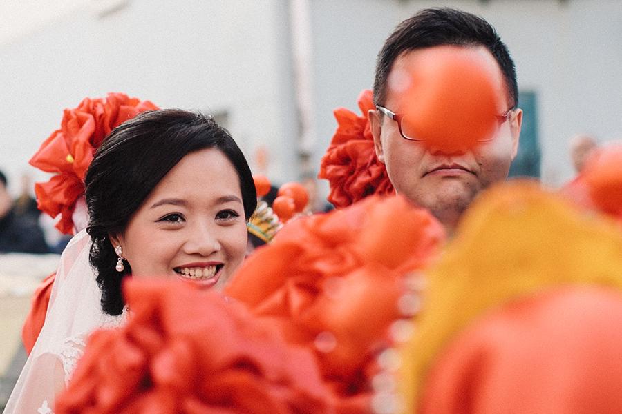 Той действа на сигурно – китаец подари на годеницата си 102 кила банкноти