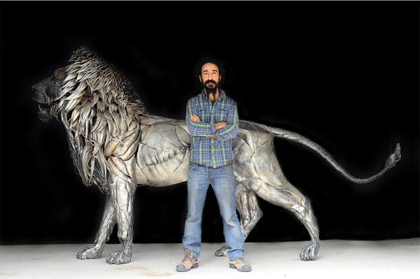 Лъвът Аслан – 4000 парчета метал (СНИМКИ)