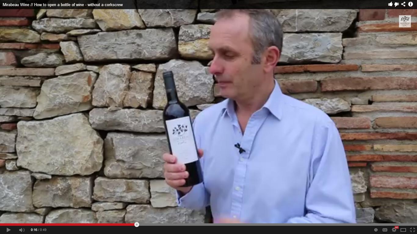 Полезно! Как да отвориш бутилка вино без да използваш тирбушон?