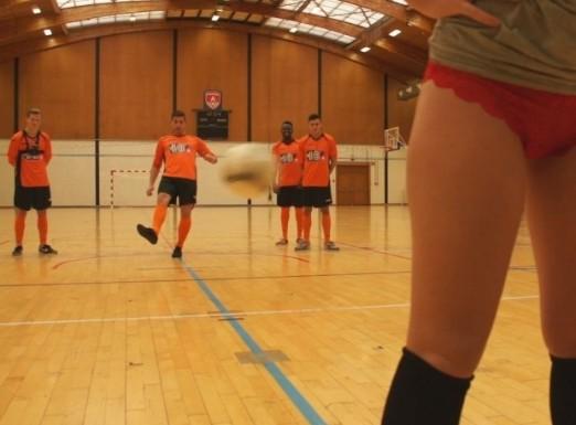 Много секси футболна тренировка (ВИДЕО)
