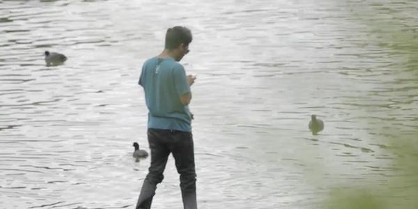 Той ходи по вода (ВИДЕО)