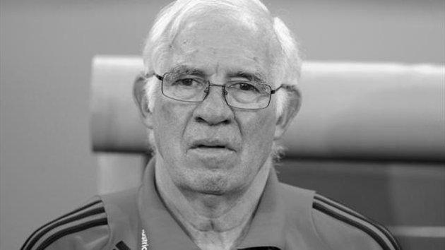 Шави с писмо до починалия Луис Арагонес: Благодаря за всичко, тренер!