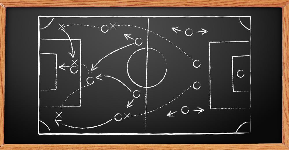 Гумени мечета спасиха разбора на футболен треньор
