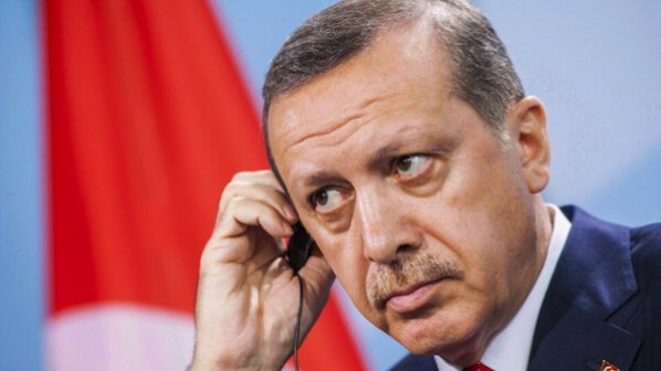 Премиерът на Турция говори като прещипан (ВИДЕО)