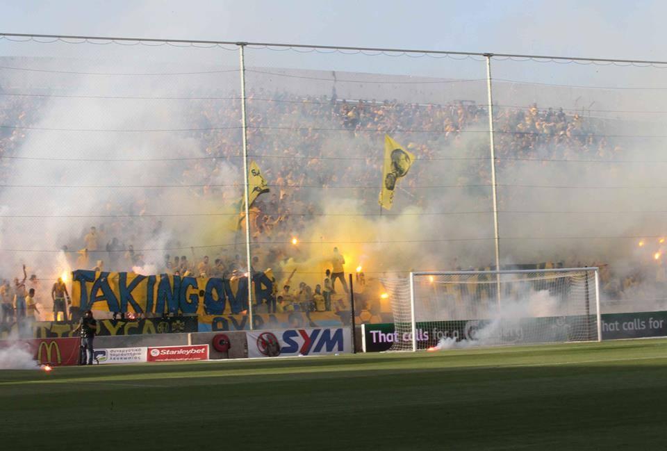Лудите футболни фенове (ВИДЕО)