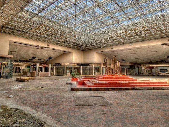 abandoned_malls_06