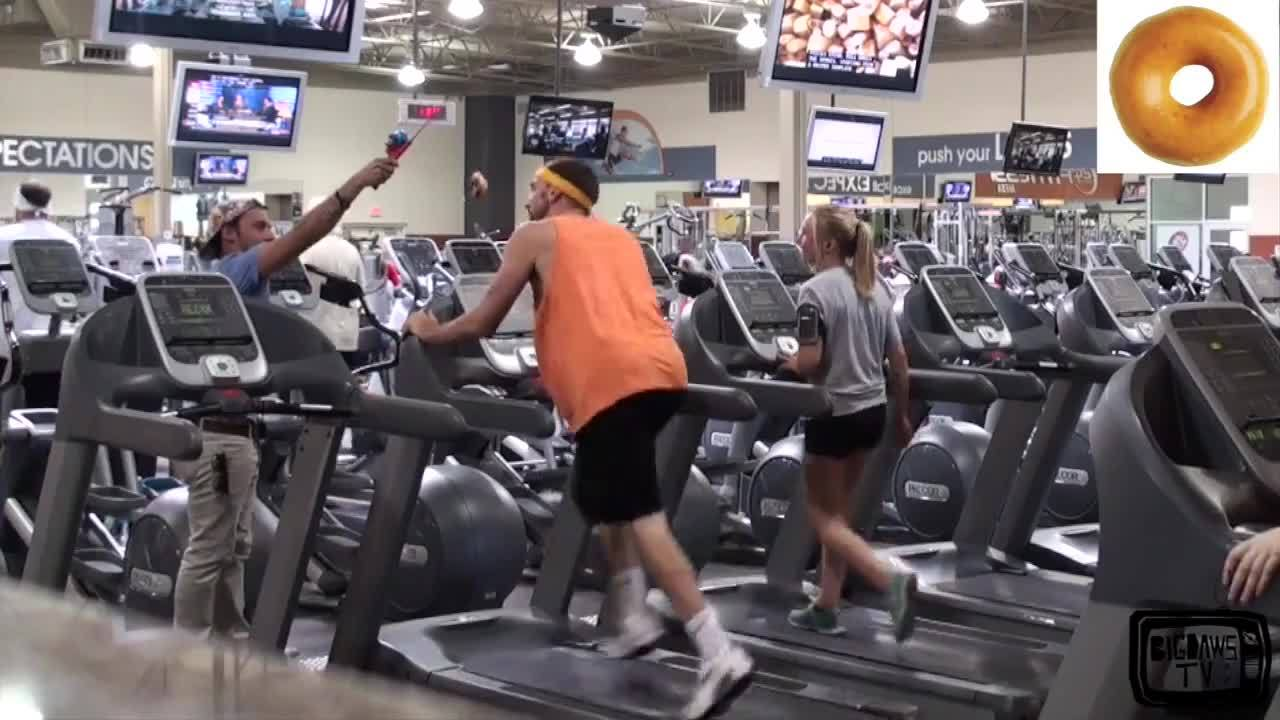 Да ядеш джънк по време на фитнес