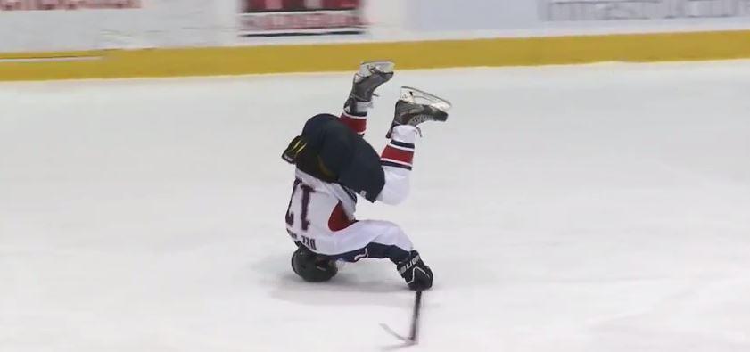 Най – екстремното празнуване на гол в хокея (ВИДЕО)