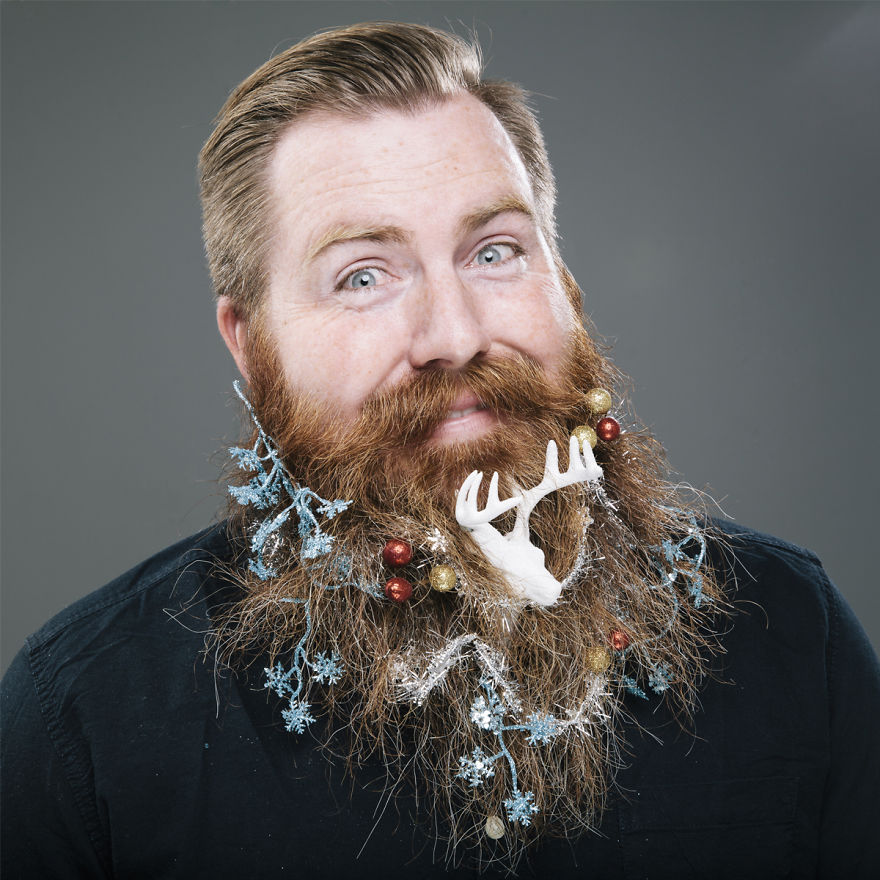 12 празнични бради, украсени като елхи