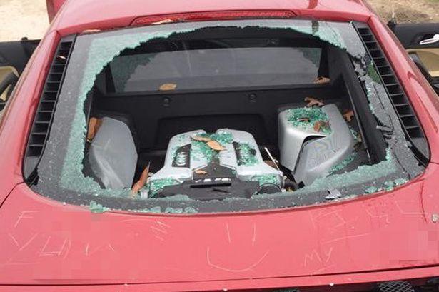 Не изневерявай на жена си, ако караш кола за 130 хил. долара (СНИМКИ)