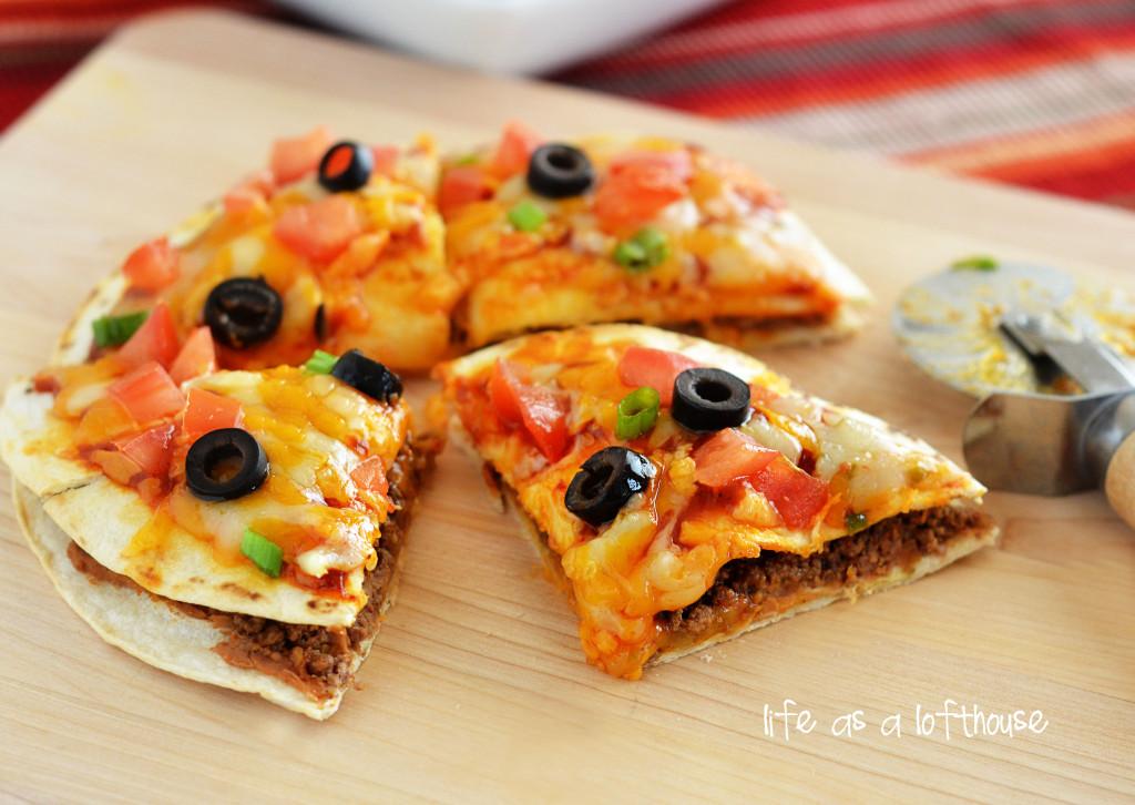Мексиканска пица на два етажа. Ядеш и ревеш (РЕЦЕПТА)