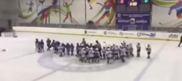 Масов бой на 8-годишни хокеисти