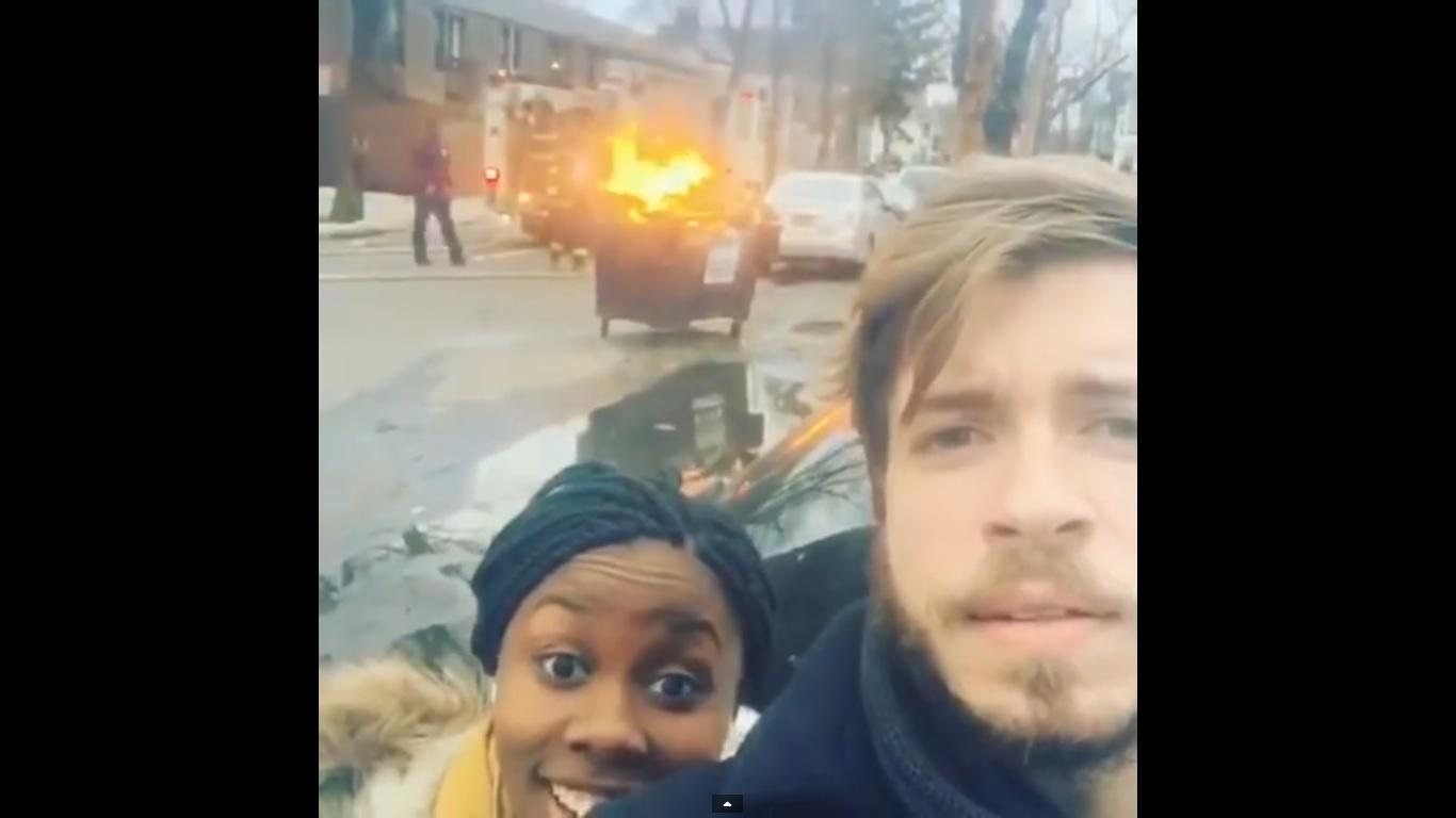Когато от пожарната решат да ти прецакат селфито (ВИДЕО)