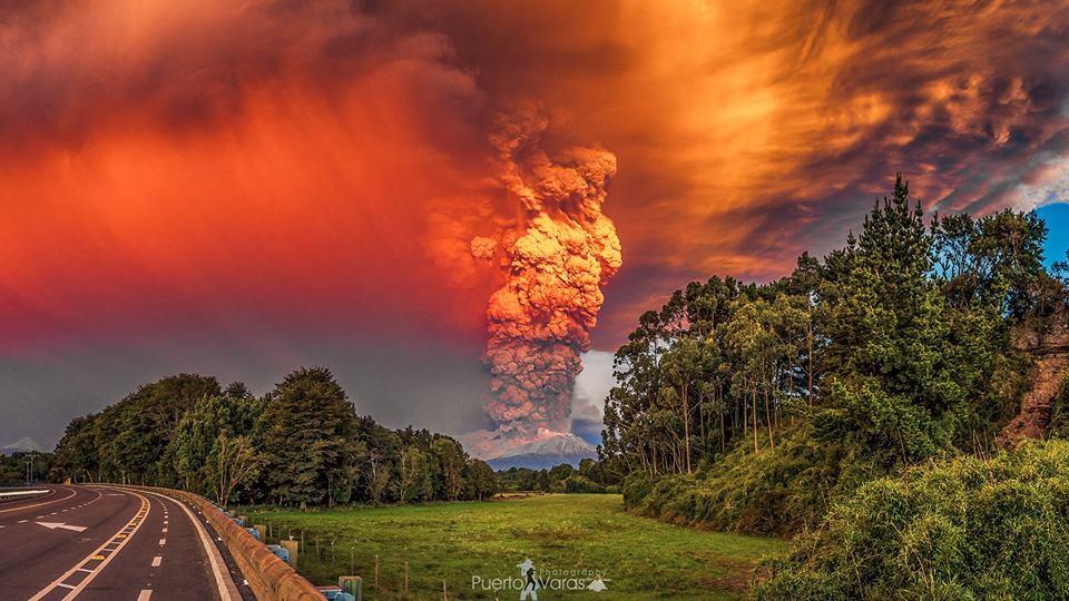 Уникални снимки от изригналия в Чили вулкан