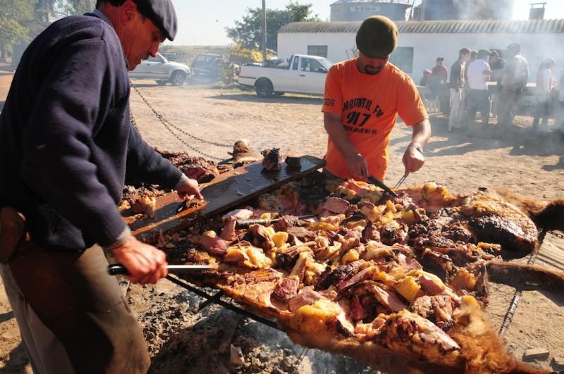 Скарата по света – прасенца, шишове и буболечки за вкус