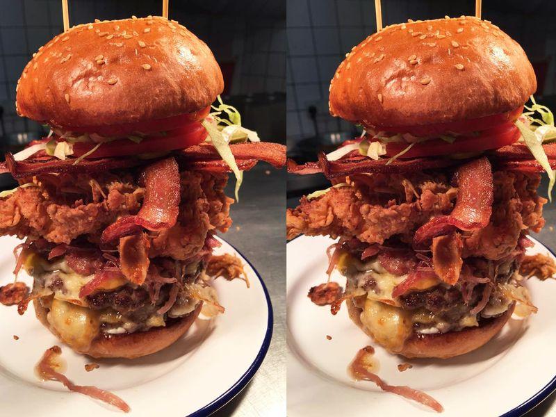Този 25 сантиметров бургер може да ти е последният (СНИМКИ)