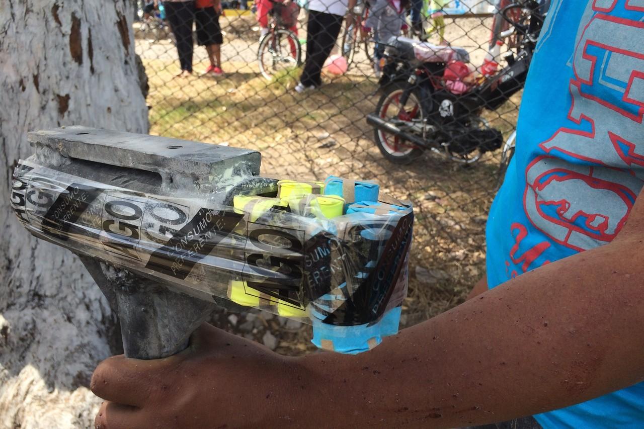 Фестивалът на бомбите взривява Мексико веднъж годишно (ВИДЕО)