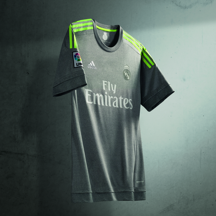 Real_Madrid_Away1516
