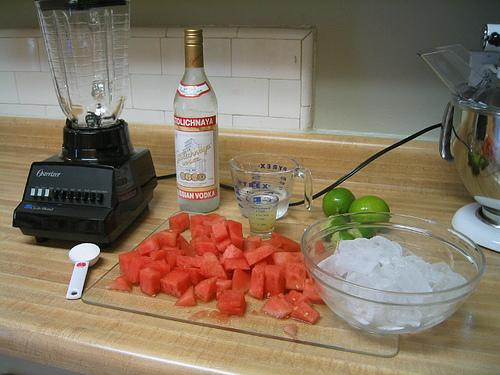 Летният коктейл на Brato.bg включва диня и водка