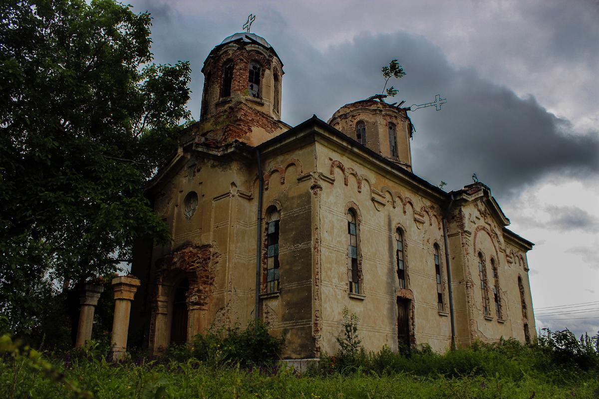 След репортажа на Брато.бг – Събират средства за изоставената църква в Тлачене