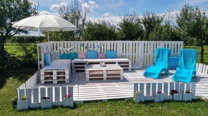 beautiful_backyard_lounge_14