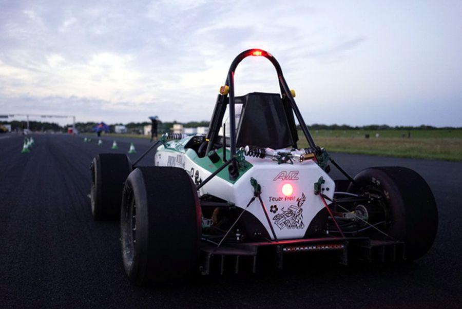 От 0 до 100 км/ч за 1,779 сек (ВИДЕО)