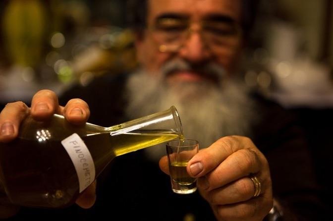 Учени: Най-добре са си умерените пиячи