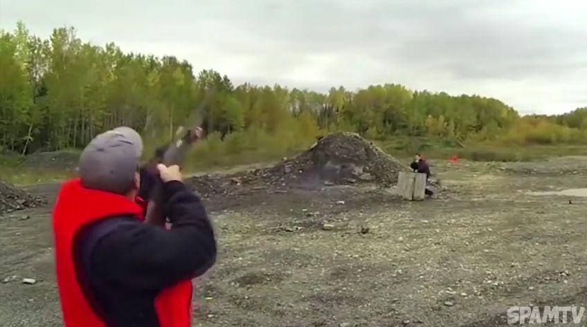 Тъпунгери с оръжия, брато (ВИДЕО)
