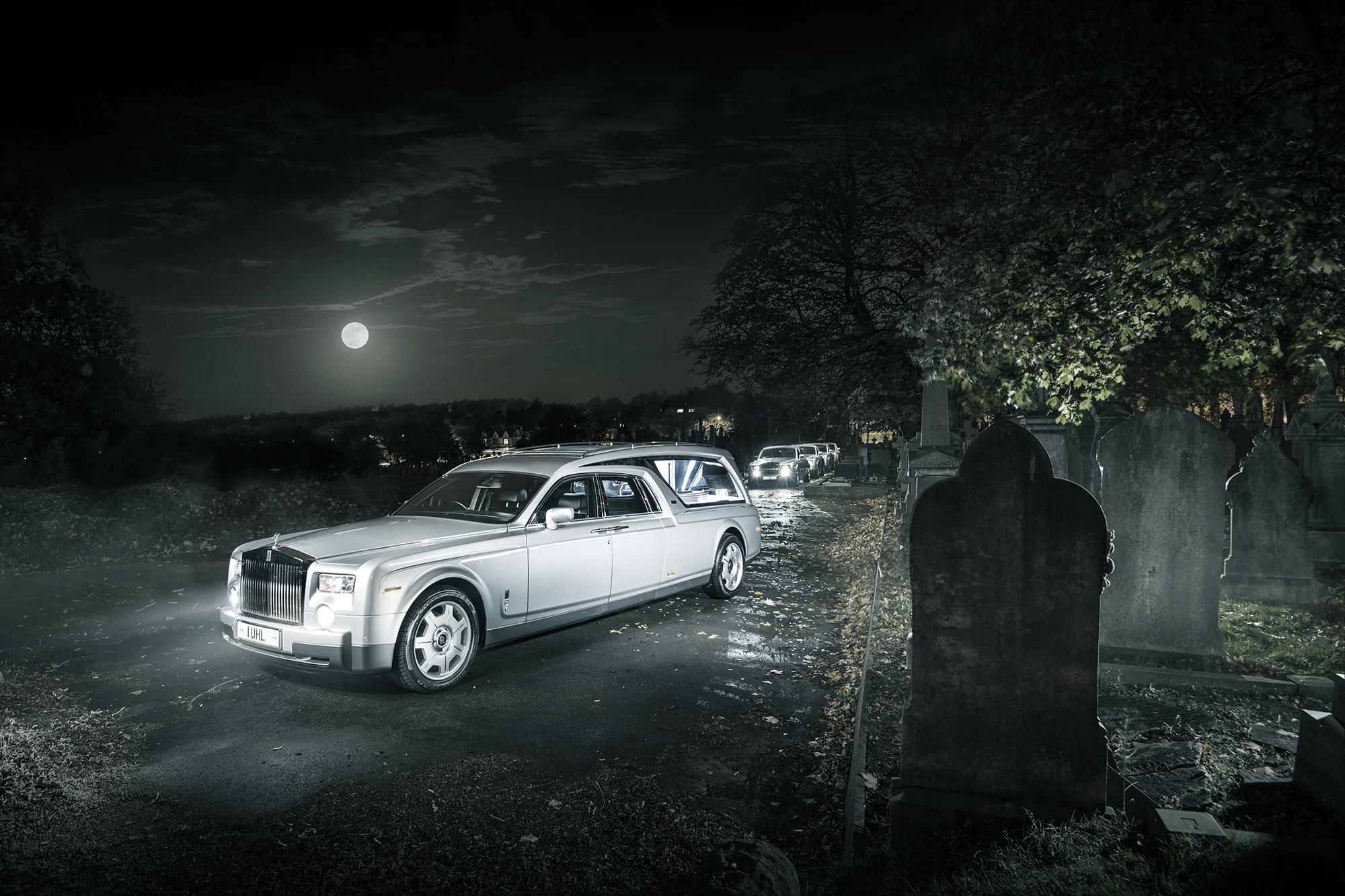 Да ти е кеф да умреш, за да те возят в катафалка на Rolls-Royce (СНИМКИ)