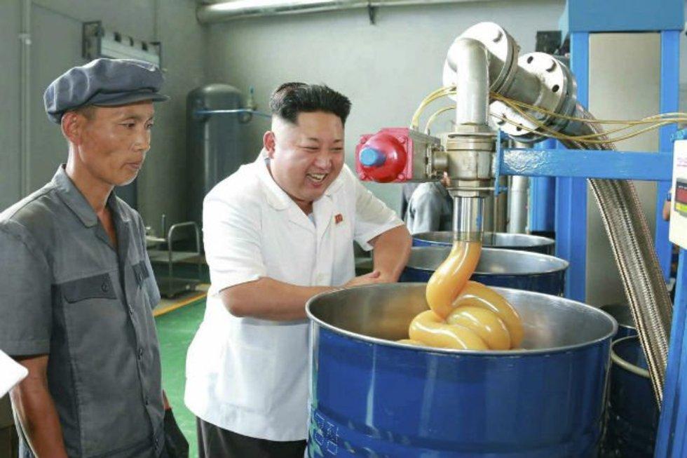 Снимки на лидера на Северна Корея, от които ще си благодарен, че имаш приятели