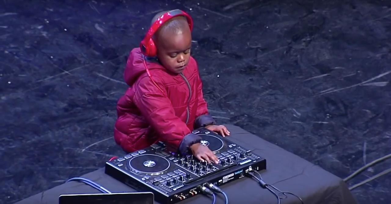 3-годишен фарфалак е новата DJ сензация (ВИДЕО)
