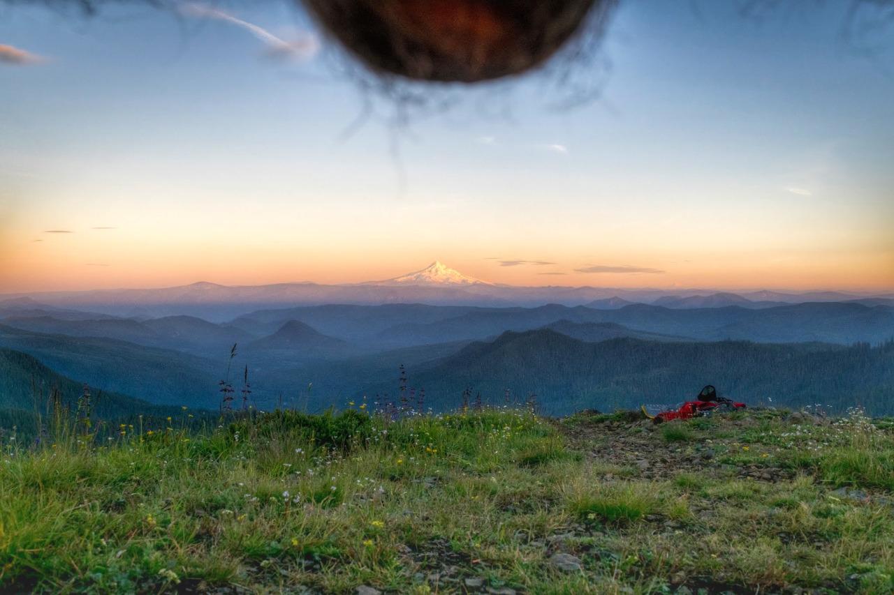 Нова мода – Снимаш си топките на красив пейзаж (СНИМКИ)