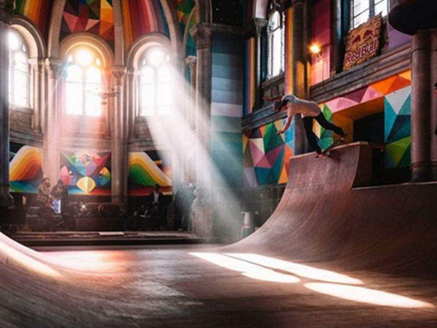 Рампа вместо икони или как стара църква се превърна в рай за скейтъри (СНИМКА)