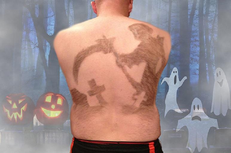 """Изкуство: Да си направиш """"татуировка"""" на гърба от собствените косми"""