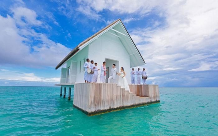 Къщата, в която можеш да вдигнеш най-якия нуди купон (СНИМКИ)