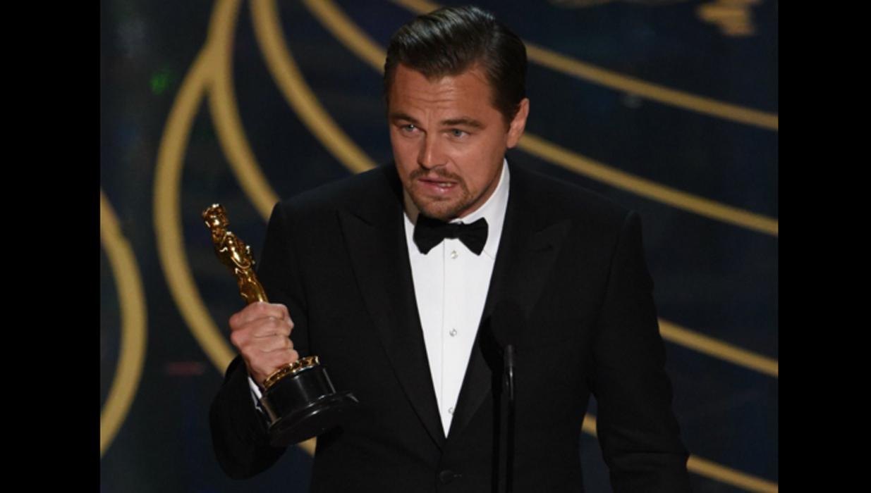 """Край на шегите с Лео! Ди Каприо най-после взе """"Оскар"""" (ВИЖ ВСИЧКИ ПЕЧЕЛИВШИ)"""