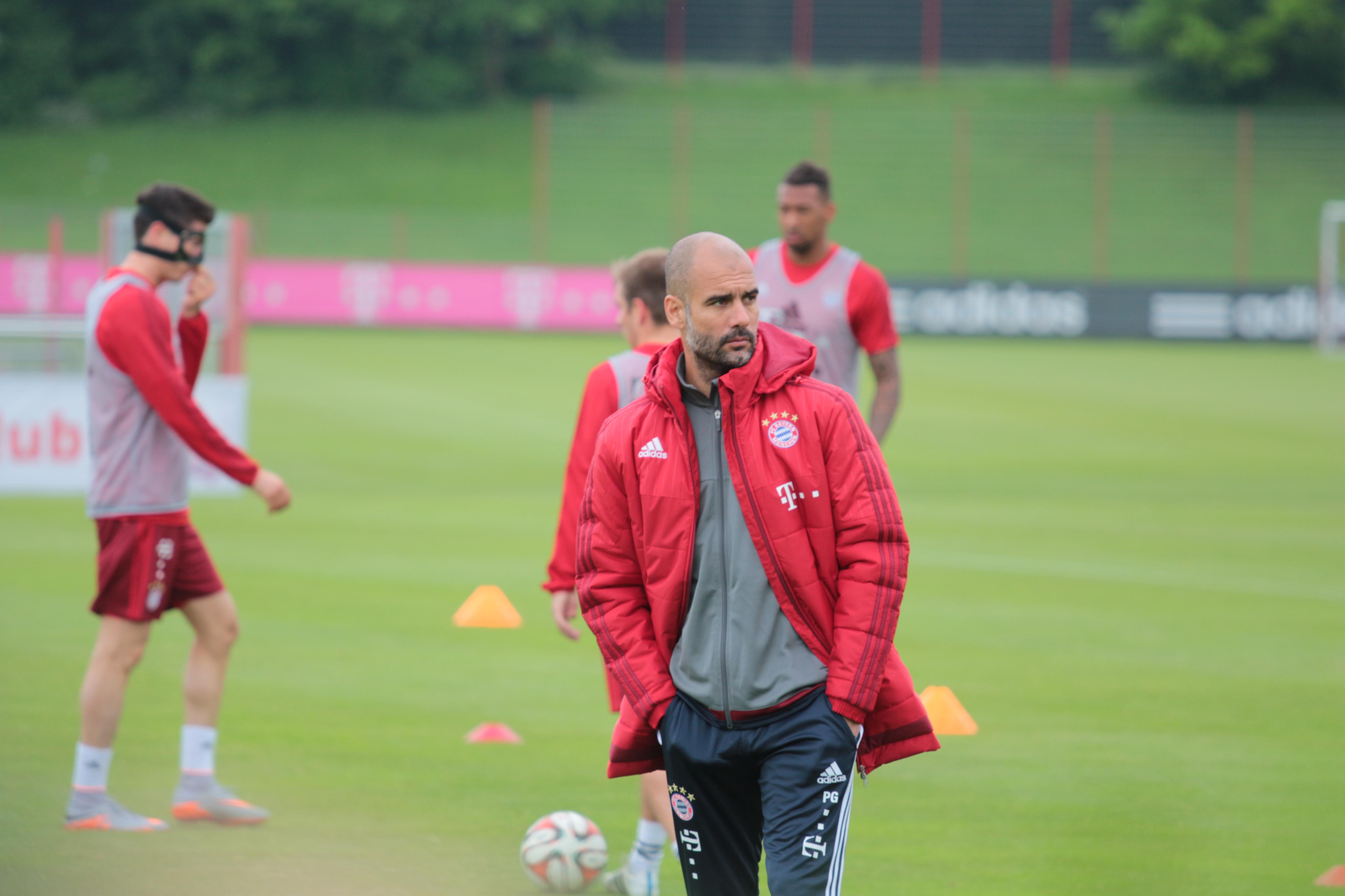 Guardiola_training_FCB