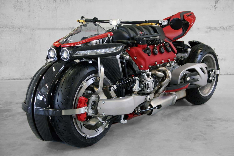 """Новият мотор на """"Мазерати"""" тежи колкото Пеевски, но струва повече от него"""