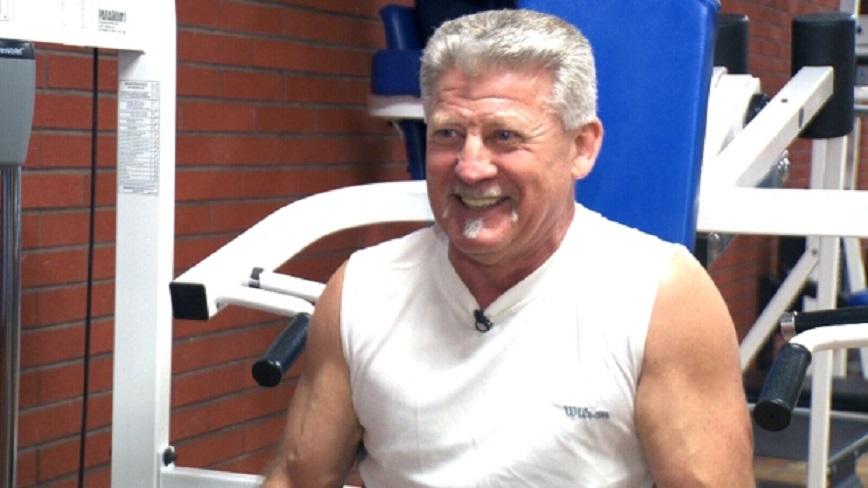 65-годишен счупи рекорда за най-много лицеви опори