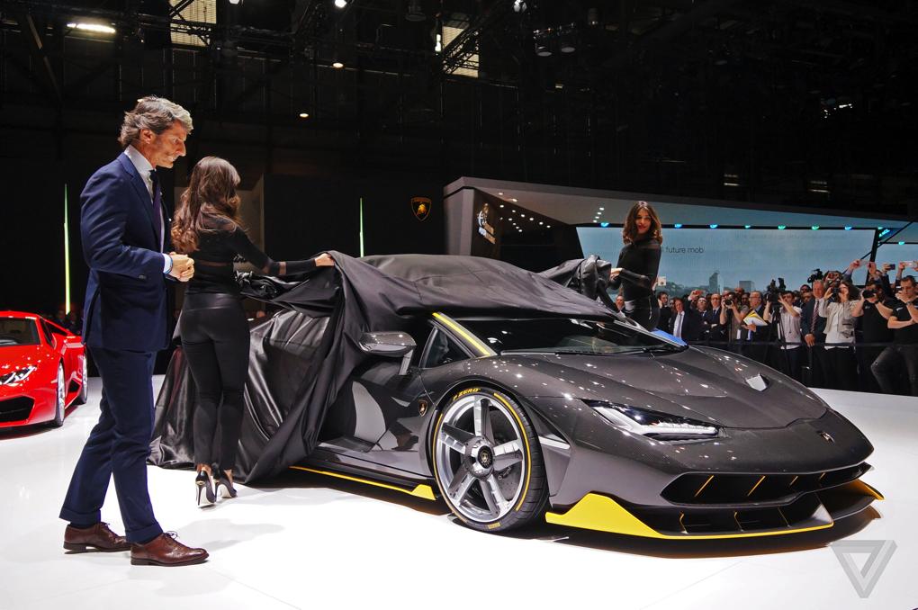 Произвеждат само 40 модела от новото Lamborghini Centenario (СНИМКИ)