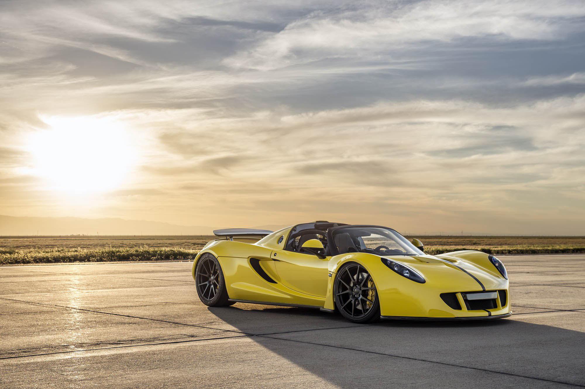 Колата, която вдигна 435 км/ч и постави световен рекорд (ВИДЕО)