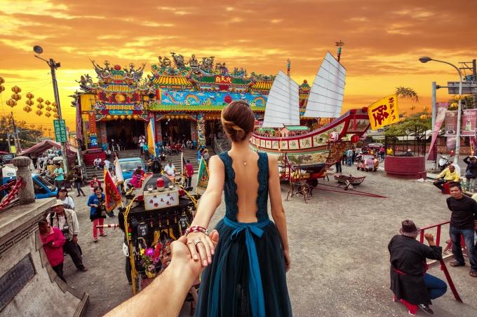 """Еволюцията на """"follow me to"""" или новата мода във фотографията (СНИМКИ)"""