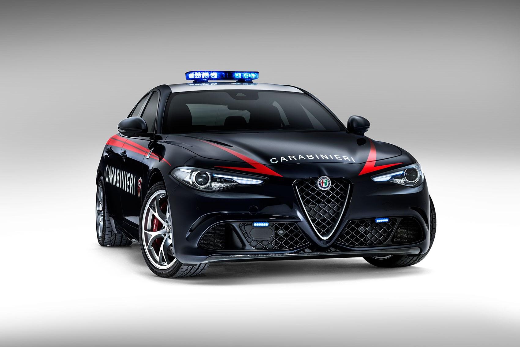 Новите патрулки в Италия вдигат 100 км/ч за 3.9 секунди