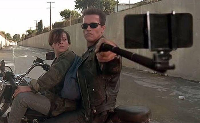 Селфи стик вместо оръжие в някои от най-известните филми (СНИМКИ)