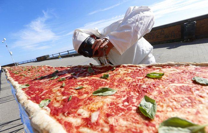 world_longest_pizza_01