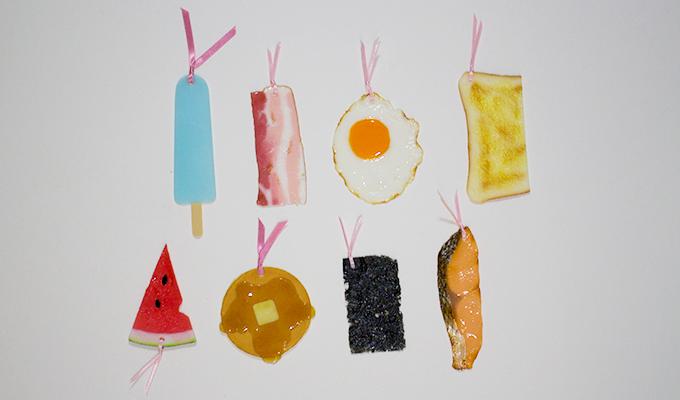 Яйца на очи, бекон и още храни като разделители за книги (СНИМКИ)